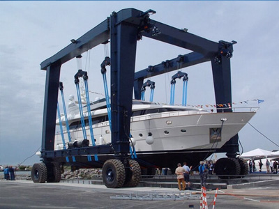 500ton-mobile-boat-hoist