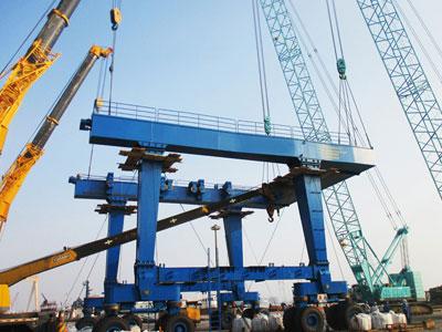boat-lifting-crane