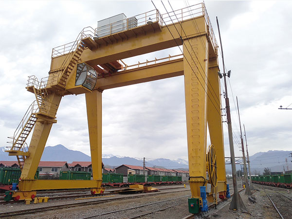 60 ton-European-double-grider-gantry-crane-in-Malaysia