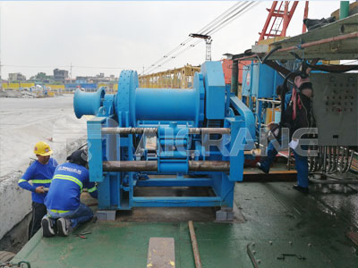 12-ton-hydraulic-waterfall-winch-for-ship