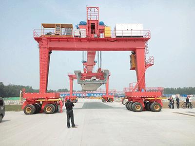 Straddle Carrier Gantry Crane for Handling Plates