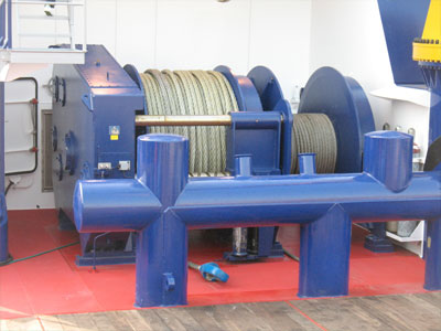 hydraulic-towing-winch-in-Singapore