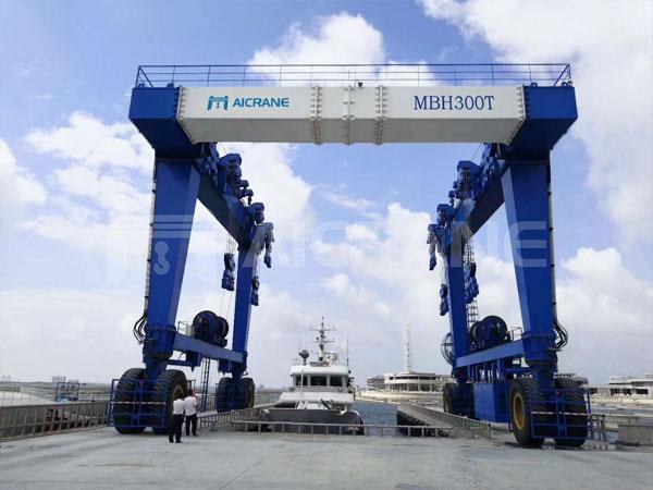 mobile-boat-hoist