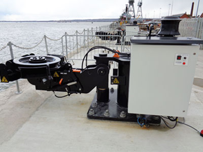 https://aicranes.com/wp-content/uploads/2021/06/25-ton-Marine-Quick-Release-Hooks.jpg