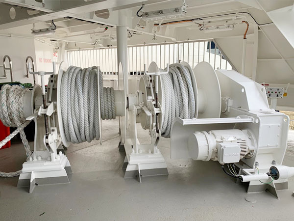 electric-mooring-winch-double-drum