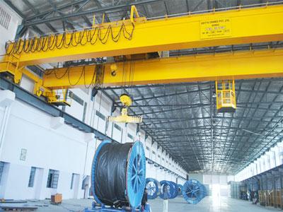 overhead-crane-in-steel-factory