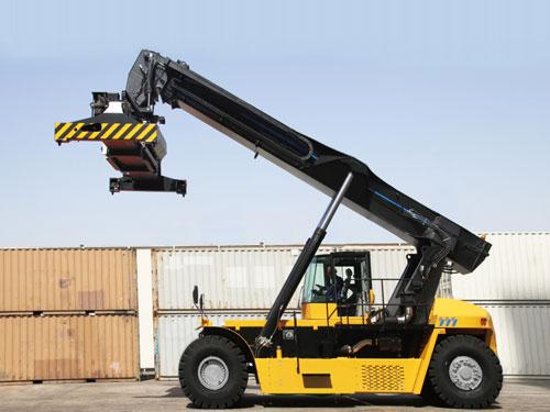 10-ton-reach-stacker