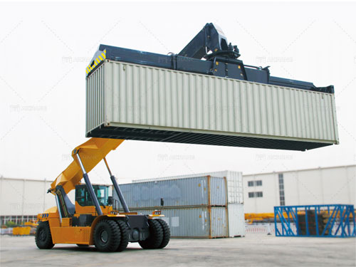 35-ton-reach-stacker