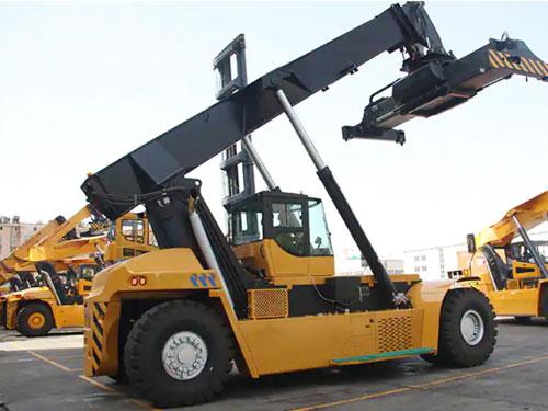up 50 ton reach stacker